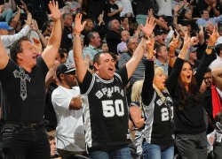 San Antonio Spurs Grilling and Tailgating Accessories and Gifts